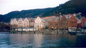 04.06.05 bryggen... fishmarket...